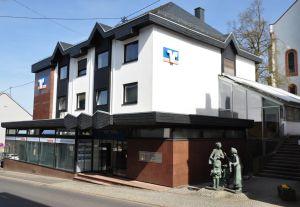 Volksbank Trier eG, Filiale Hermeskeil, Koblenzer Straße 8, 54411 Hermeskeil